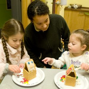 Gingerbread Houses at KIDIMU